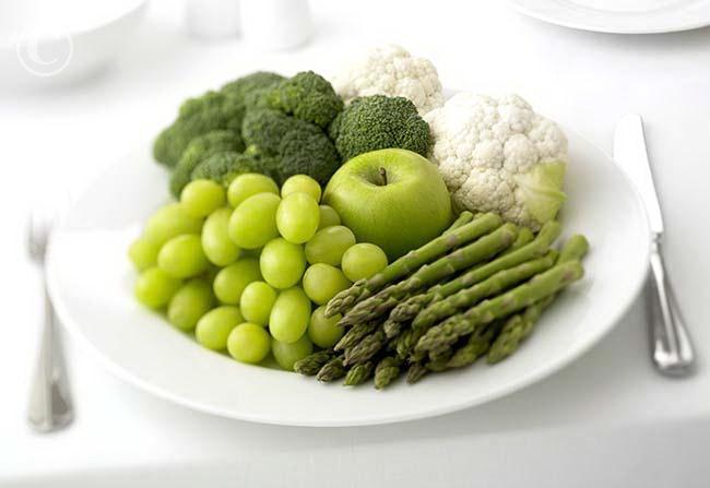 Сыроедение это система питания, при которой худеют все. Легко и бесплатно.